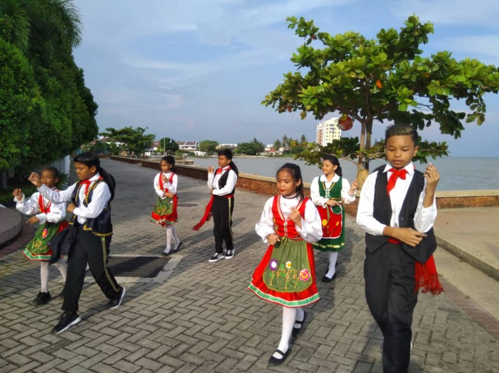 Kristang children performing a traditional dance - New Naratif